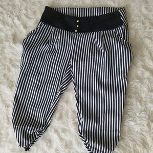 Pants - Black and white striped capris unlined